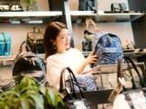 アパレルにとどまらず、シューズ・バッグ・時計・ホームコレクションなど幅広く展開