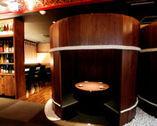 大樽…と思ったら、中は個室!こんな遊び心もお店の魅力。
