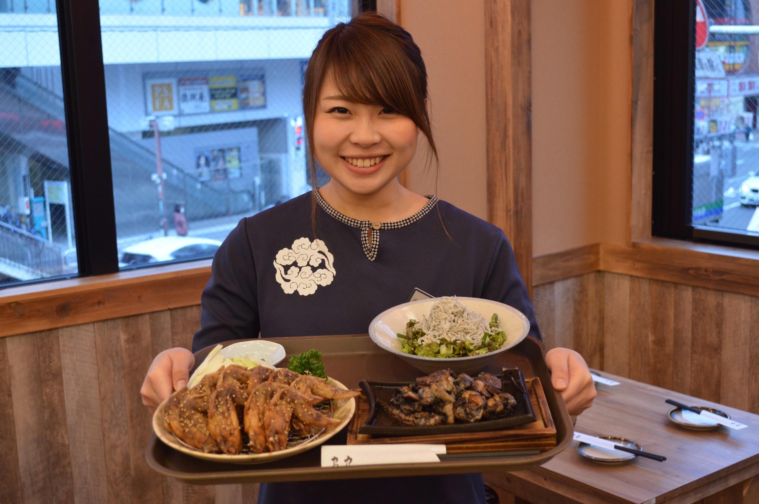 手羽先唐揚げや豆腐料理、どて料理が自慢のお店です