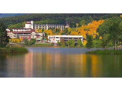 自然に囲まれたホテル◎通勤しながら四季を楽しめます♪
